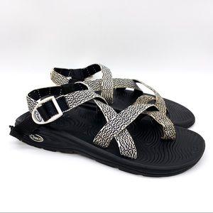 CHACO black white single strap sandals, 10.